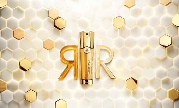 guerlain double serum ambientada alta web  - Guerlain apresenta Serum Abeille Royale Double R Renew & Repair