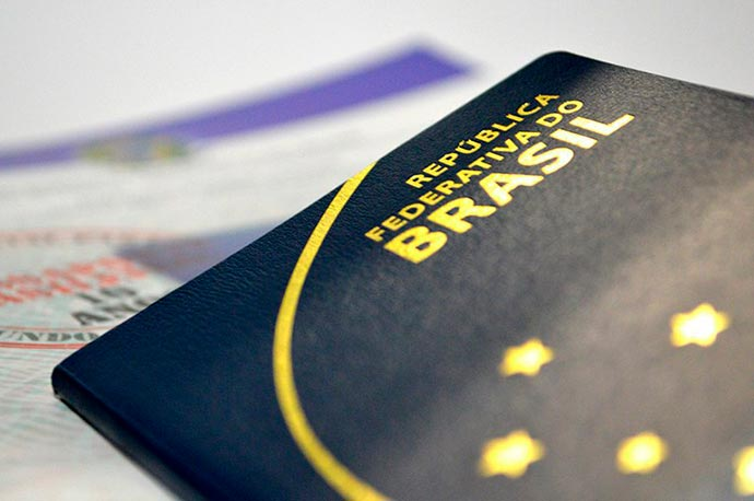 passaporte - Mais de 500 mil brasileiros são aptos a votar no exterior