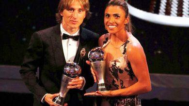 premio fifa modric marta 390x220 - Modric é eleito o melhor jogador do mundo pela Fifa