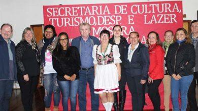 visita guias de turismo 5 390x220 - Agentes de turismo conferem potencial de Salvador do Sul