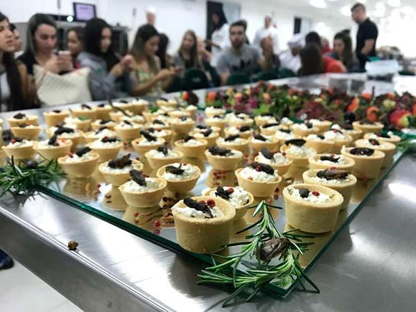 Faculdade Avantis insetos na gastronomia 2 - Palestra na Faculdade Avantis: insetos na alimentação