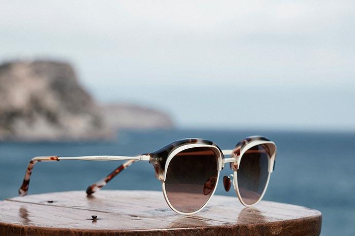 GIORGIO ARMANI FW18 EYEWEAR CAMPAIGN AR8117 2 - Giorgio Armani apresenta nova coleção de óculos