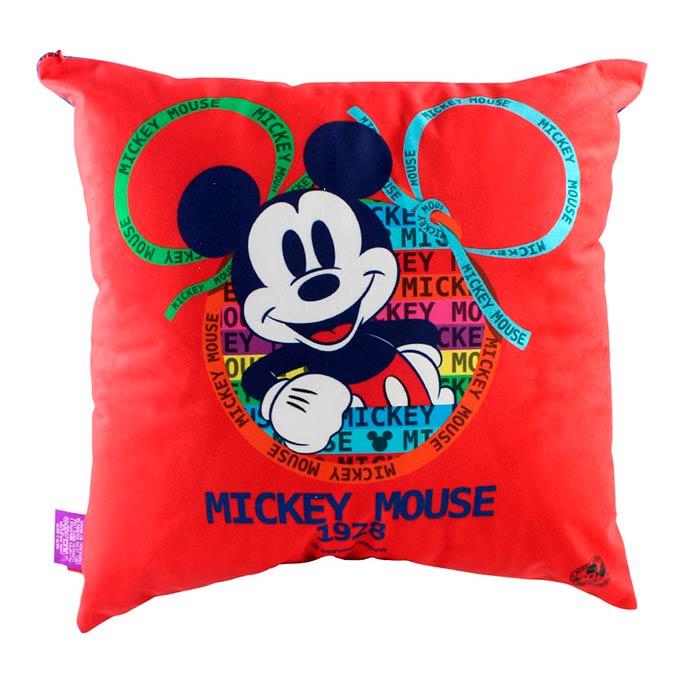 Home ZonaCriativa RS4990 2 - Vitrine de produtos Mickey 90 anos