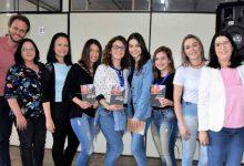 Premiação da Feirarte 3 220x150 - Premiação da Feirarte reúne alunos e familiares das oficinas na Asbem