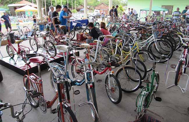 bicicleta - Encontro de bicicletas antigas em São Sebastião do Caí dia 4 de novembro