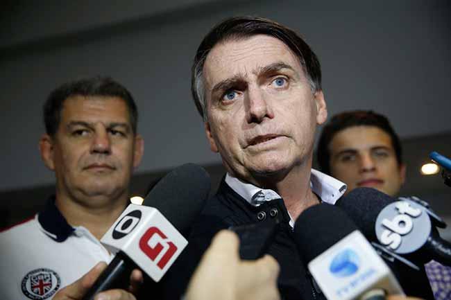 bolsonaro 4 - Bolsonaro quer doar resto de campanha para hospital onde fez a primeira cirurgia