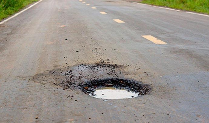 buraco - DNIT deverá indenizar motorista que sofreu acidente por causa de buraco na pista