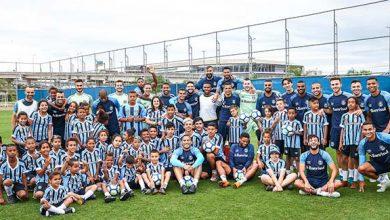 criana as do instituto geraa a o tricolor visitam treino do gremio 390x220 - Crianças do Instituto Geração Tricolor visitam treino do Grêmio
