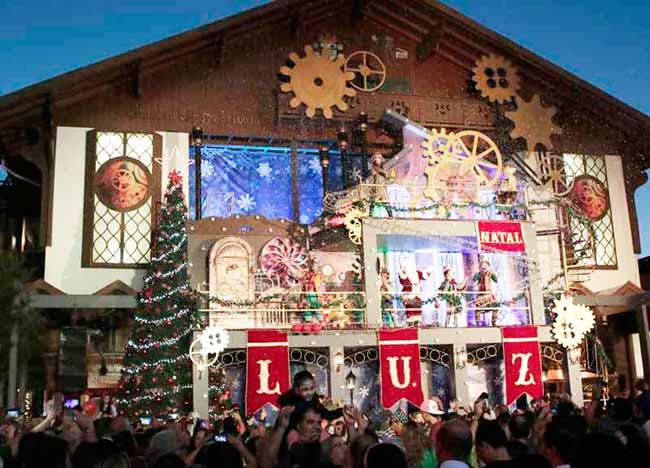 crop foto show de acendimento 1 credito ceiton thiele 23102018152415 - Natal Luz inicia nesta quinta-feira em Gramado