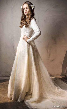 noiva3 287x468 - CarolHungria revela as tendências de vestidos de noiva e festa direto de Paris