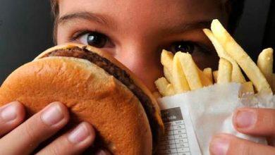 obesidade infantil 390x220 - Maioria dos adolescentes acompanhados pelo SUS se alimentam mal
