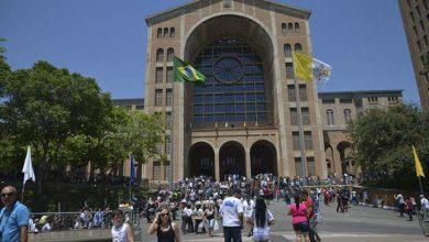santuario aparecida 390x220 - Festa da Padroeira do Brasil movimenta Santuário de Aparecida
