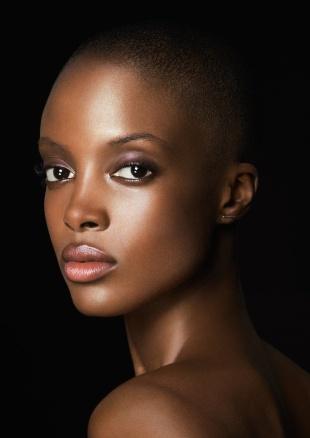 supstrip 159003 9 web - Giorgio Armani Beauty revela seus novos rostos