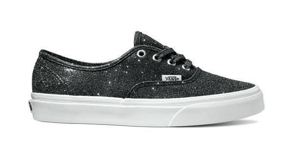 350226 841711 ucl  authentic lurex glitter  black true white vn0a38emu3t web  - Vans Lança o Novo Lurex Glitter Pack