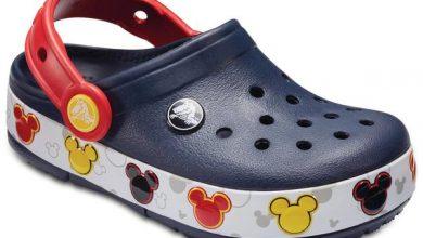 350627 843454 crocs mickey r 229 web  390x220 - Mickey comemora 90 anos com muito estilo