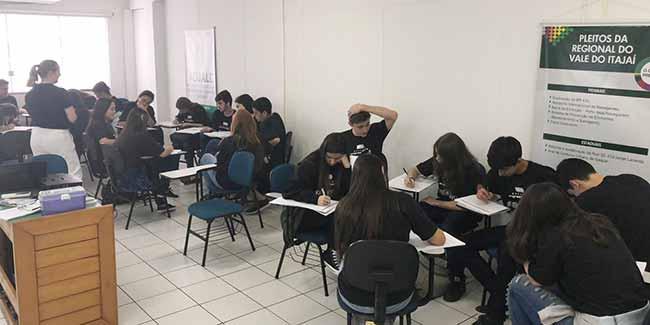 Acibalc Geração empreendedora 2 - Programa promove integração de jovens de BC e Camboriú com empresas locais