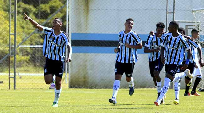 Grêmio derrota o Figueirense e está na final da Copa Sul Sub 19 - Grêmio vence catarinenses e entra na final da Copa Sul Sub-19