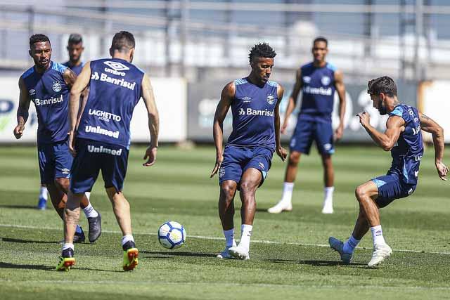 Gremio treina bem - Grêmio treina de olho no G4