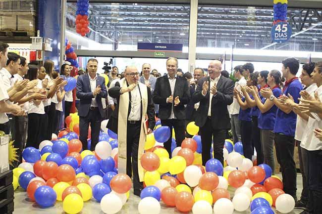 Grupo Koch inaugura unidade em Camboriú 1 - Grupo Koch inaugura mais uma unidade em Camboriú