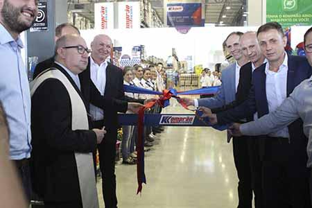 Grupo Koch inaugura unidade em Camboriú 2 - Grupo Koch inaugura mais uma unidade em Camboriú