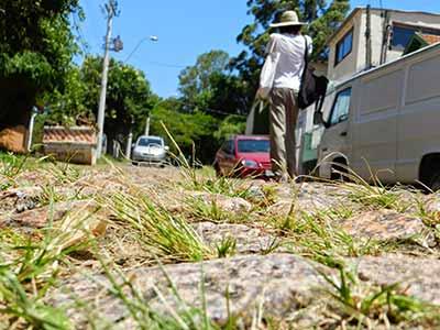 Leandro Machado durante projeto Arqueologia do Caminho Foto Paulo Correa - Leandro Machado apresenta sua visão de Porto Alegre em livro e exposição
