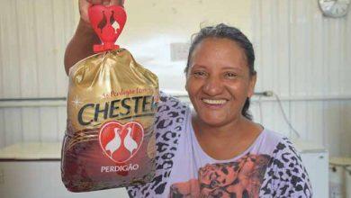 O programa atende famílias em vulnerabilidade social em Santa Catarina 390x220 - Mesa Brasil Sesc distribuirá 20 mil aves natalinas para famílias carentes