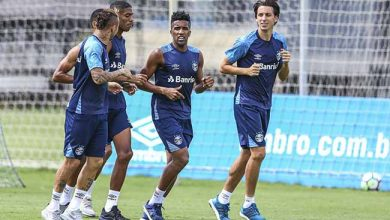 Treino do Gremio 1 390x220 - Grêmio treina mas Renato não define time para enfrentar Chapecoense