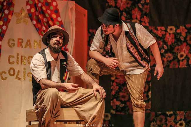 Um certo cavaleiro errante e sua linda flor - Companhia teatral de Veranópolis na Casa de Cultura Mario Quintana