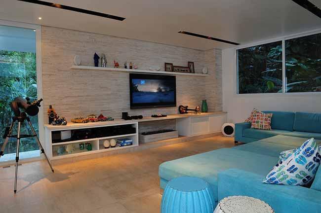 arquiteta Karina Korn 2 - Casa na praia destaca vista com piscina de borda infinita