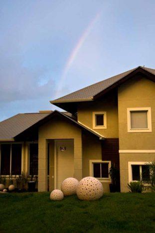 casa3 311x468 - Arquitetas dão dicas para construção ou reforma da fachada da casa