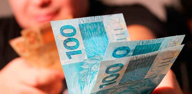 dinh 2 - Governo sugere fim do abono salarial e revisão do reajuste do mínimo