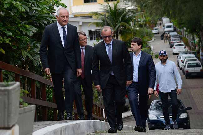 embaixador - Bolsonaro se reúne com comitivas da China e da Itália