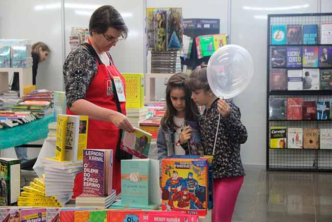 feira do livro divulgação 1 - Bourbon Passo Fundo sedia a 32ª Feira do Livro