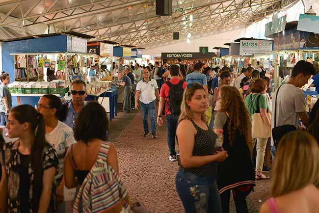 feira livro - Câmara Rio-Grandense do Livro divulga balanço da Feira do Livro de Porto Alegre