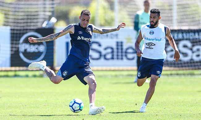 gremio treina no ct com a volta do atacante luan - Grêmio faz treinamento com o retorno do atacante Luan
