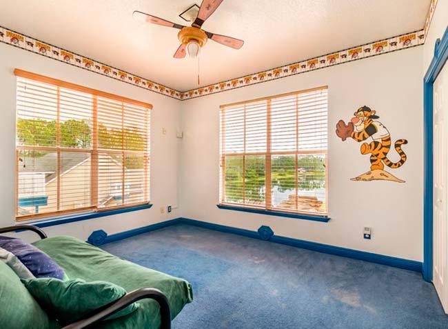 img48 3 - Conheça casa feita com itens de antigos parques da Disney