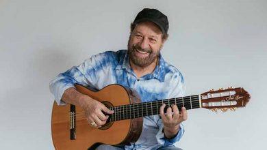 joao bosco por flora pimentel 1 390x220 - Canoas Jazz acontece dia 23 de novembro com show de João Bosco
