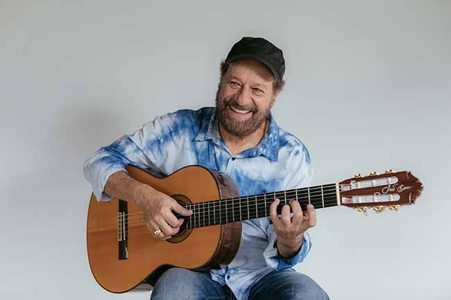 joao bosco por flora pimentel 1 - Canoas Jazz acontece dia 23 de novembro com show de João Bosco