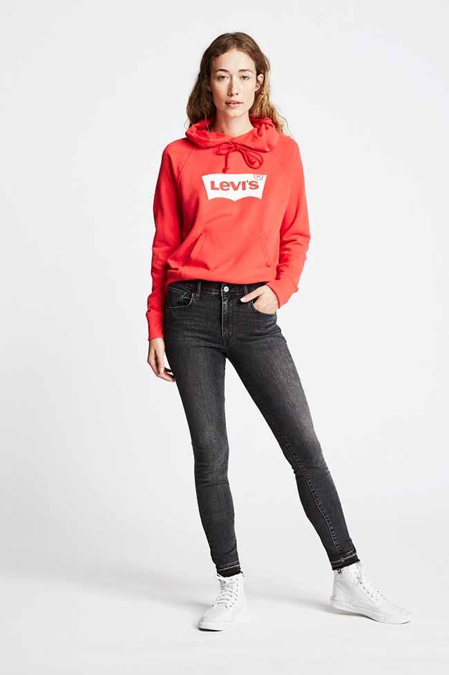 original levi - Levi's traz a logo-mania na coleção Primavera/Verão 2018