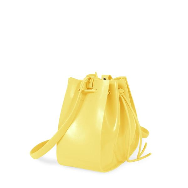 352264 850355 petite jolie   pj2796 a  2    preA o sugerido r 89 90 web  - Petite Jolie investe forte no amarelo