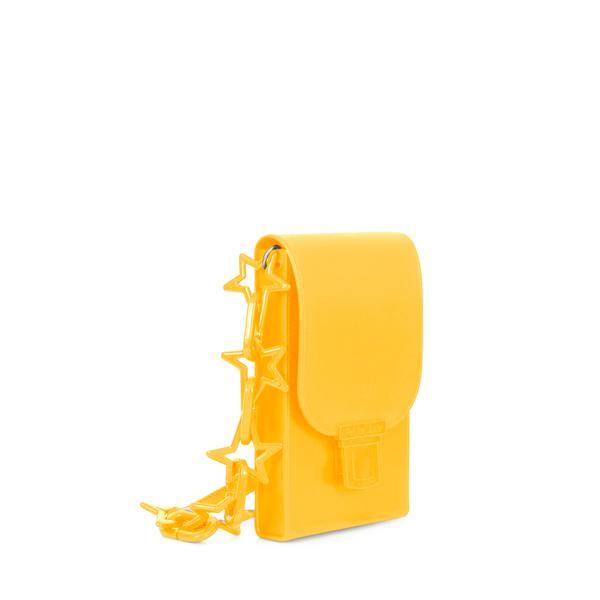 352264 850358 petite jolie phone case pj3451 r 79.90 web  - Petite Jolie investe forte no amarelo