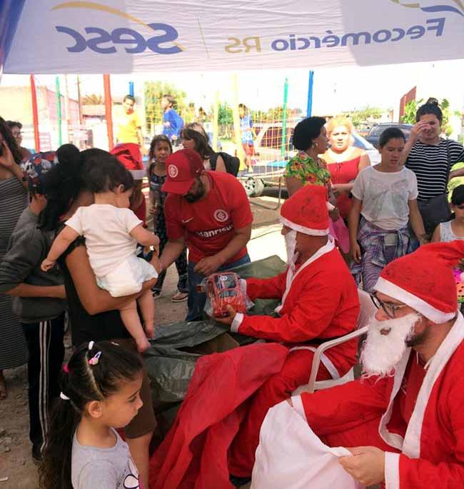 Consulado colorado fez ação de natal na fronteira com o Uruguai - Chuí faz parceria em ação de natal