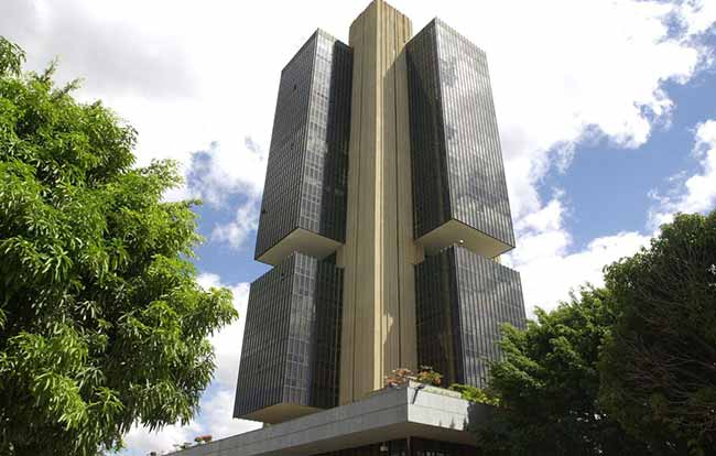 Dinheiro foi vendido para ser recomprado futuramente - BC leiloou US$ 12,25 bilhões das reservas para segurar dólar