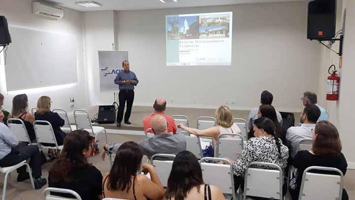 Fernando Ribas 1 bx - Boletim da Associação Comercial aponta queda na atividade econômica de São Leopoldo