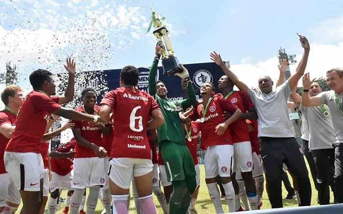 Inter Sub 17 é campeão da Copa Cidade Blumenau - Inter Sub-17 é campeão da Copa Cidade Blumenau