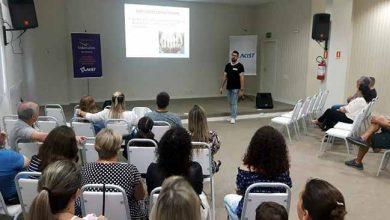 Julio Roveda apresenta dados de 2018 390x220 - Parceiros Voluntários apresenta resultados de 2018