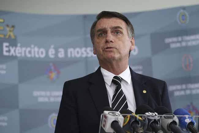 Bolsonaro passa parte do dia no interior de SP