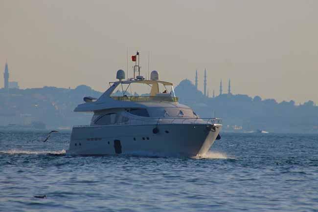 instambul - Estreito de Bósforo é uma das atrações de Istambul