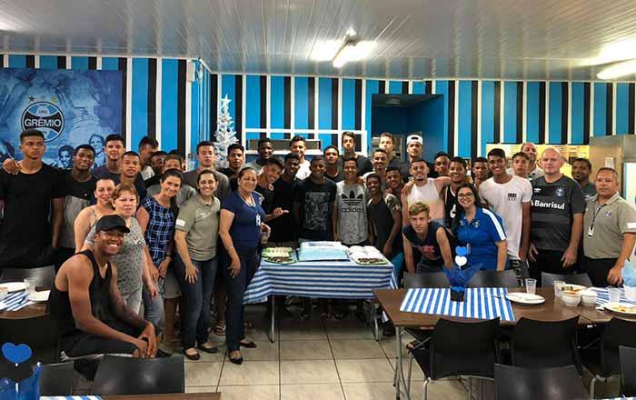 Photo of Atletas da base fazem confraternização de fim de ano na Residência Esportiva