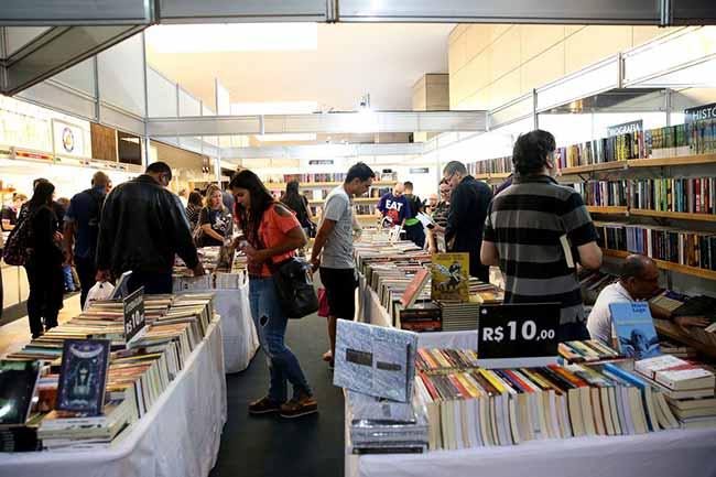livros - Abigraf quer reorganizar cadeia produtiva do livro